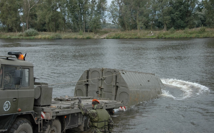Czech Army's Modernization Projects: Pontoon Bridge Kit