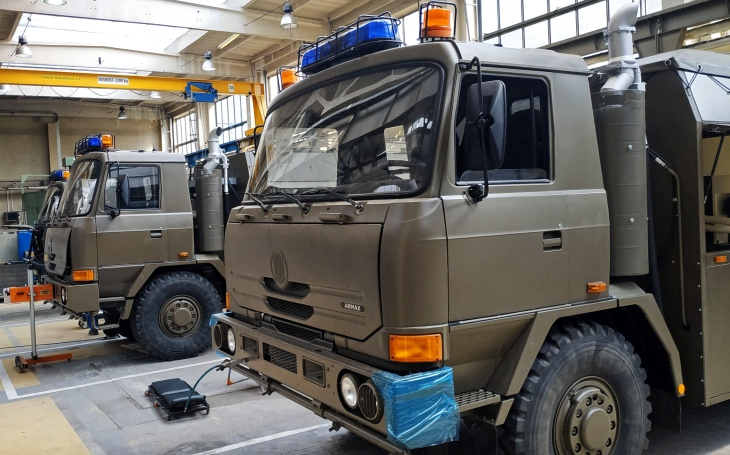 The EXCALIBUR ARMY company services military anti-chemical vehicles, the first repaired pieces are used by the Czech soldiers again